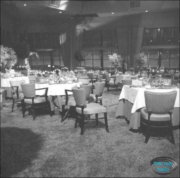 The Promenade Room Set : promenadestage6013 from www.iann.net size 607 x 600 jpeg 59kB