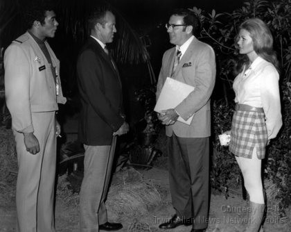 Irwin Allen on the Giants set with Don Marshall, Gordon Cooper and Deanna Lund